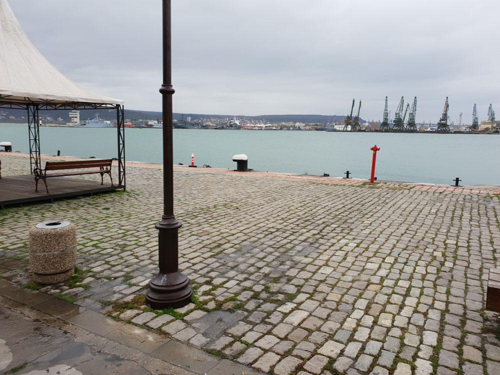 Günstige Urlaubsziele Varna Bulgarien Hafen